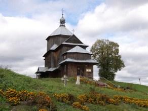 Dawna cerkiew w Mycowie po uprzątnięciu terenu (2012r.)