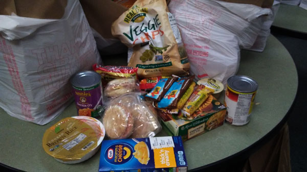 Photo/MJ Duncan students were given a brown bag filled with items easily prepared in a hotel room.