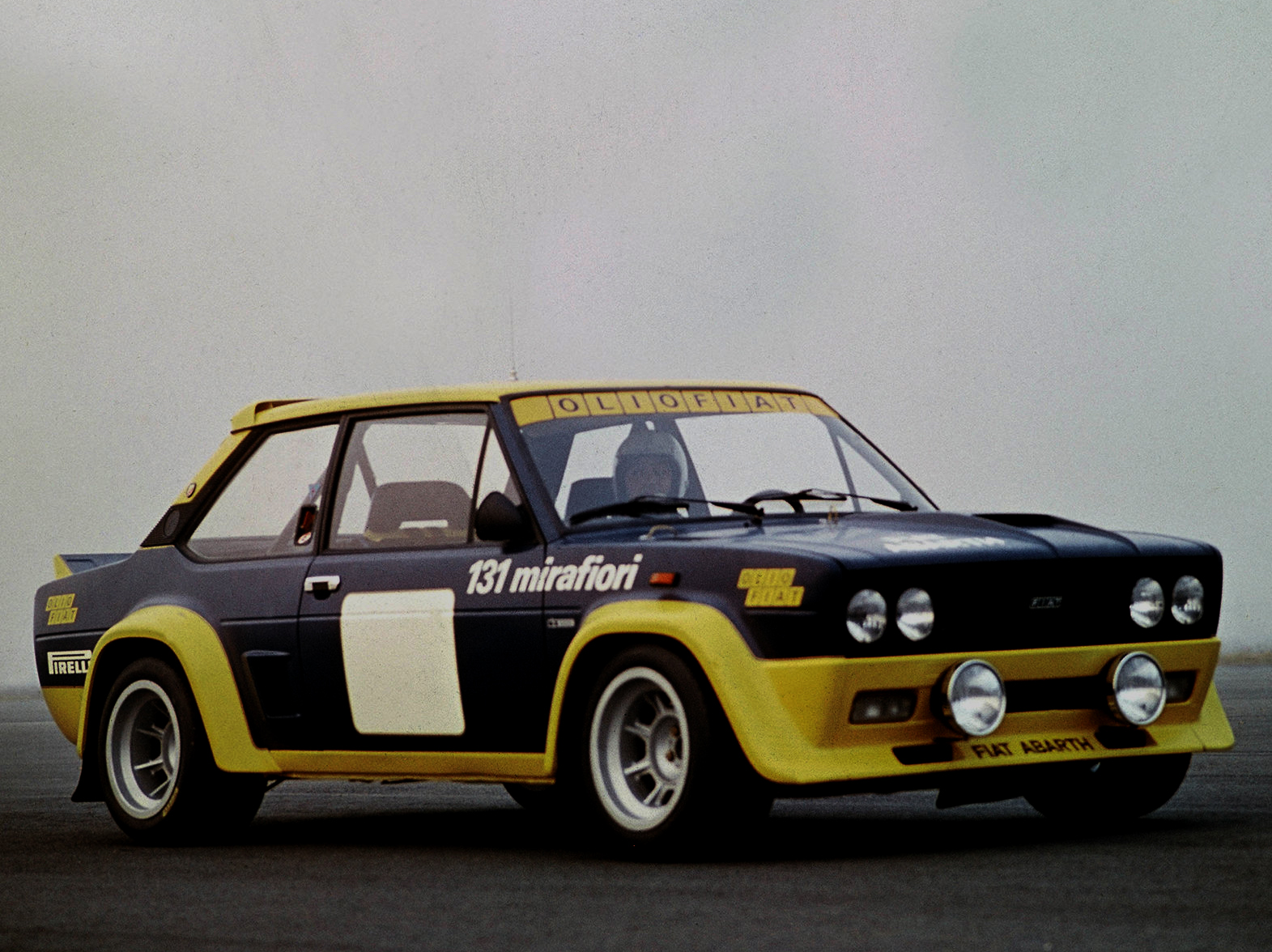 Fiat-131_Abarth_Rally_1976_1600x1200_wallpaper_01