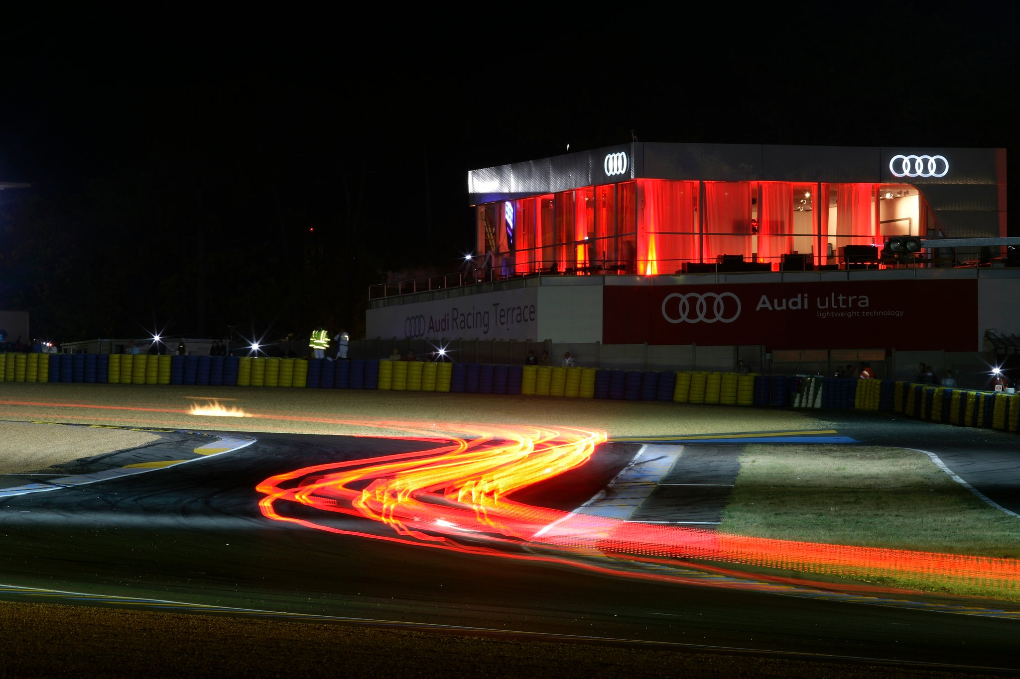 Amazing Audi Car Wallpaper Audi R18 Tdi Iedei