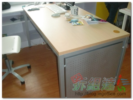 辦公家具-SRT系統桌