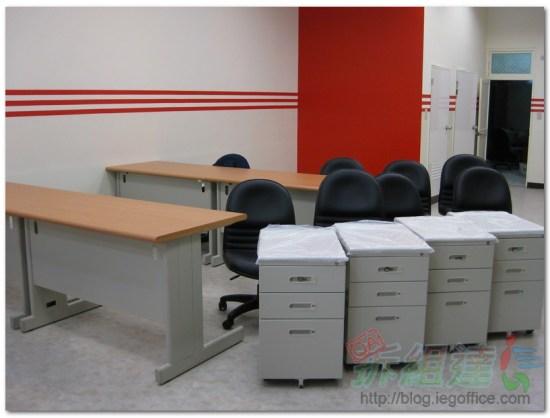 辦公家具-OA辦公桌、OA辦公椅、活動袖箱