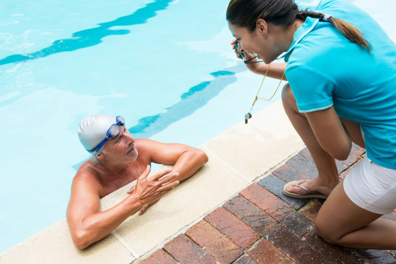 How and why to hire a swimming trainer