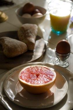 Morgenfrokostene på torpet er noen av de beste stundene jeg vet om. Spesielt med rundstykker fra bakerovnen.