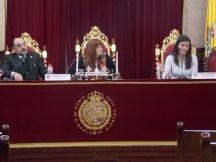 La mesa de forenses presidida por la Directora del IML