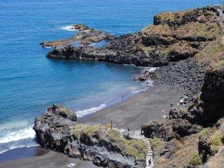 Двое немецких туристов погибли вчера, унесенные океаном, на севере Тенерифе
