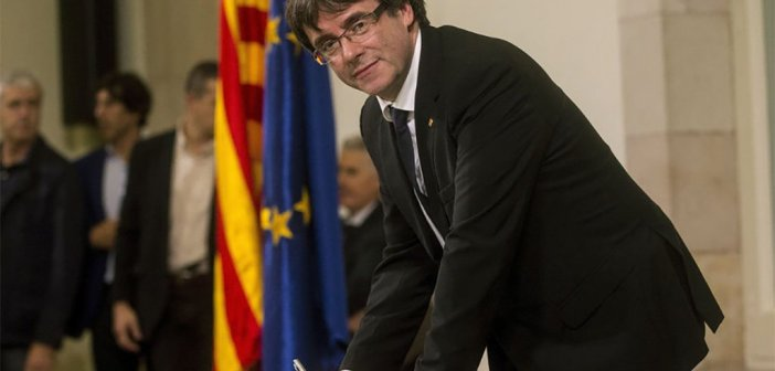 Puigdemont отвечает, не отвечая, предлагая диалог, который уже был отвергнут