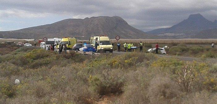 Лобовое столкновение двух автомобилей на TF-66 в El Fraile