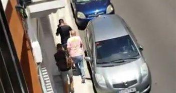 Жуткий видеоролик о попытке грабежа средь бела дня в центре столицы Тенерифе