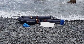 Брошенная лодка для перевозки наркотиков обнаружена на побережье San Juan de la Rambla