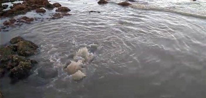 """Отводной канал в El Medano снова """"отвёл"""" сточные воды в океан"""
