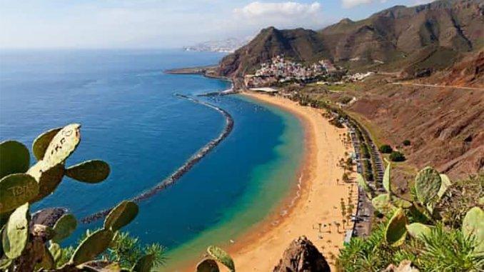 Максимальное предупреждение из-за сильных волн на Канарских островах