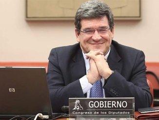 Министр по миграции Испании не торопится посетить Канары