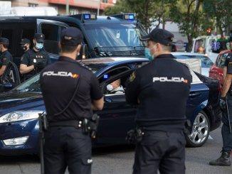 На Тенерифе задержаны четыре человека за кражу одежды в разных городах