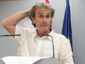 """Главный борец с коронавирусом в Испании - доктор Simón - обещает """"конец масок"""""""