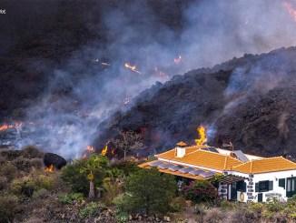 """Вулкан на La Palma входит в """"зону стабильности"""", с более медленной лавой"""