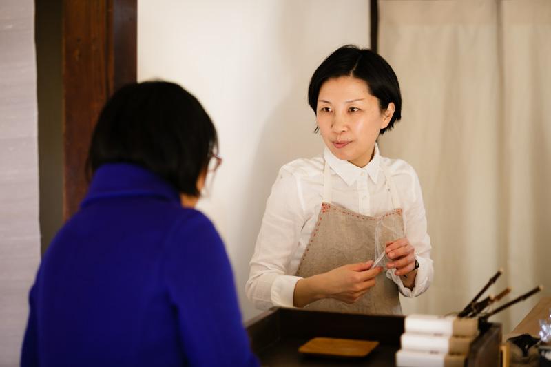小倉さんがいろんな人の話に耳を傾けて、「スロウな本屋」でカタチになる。