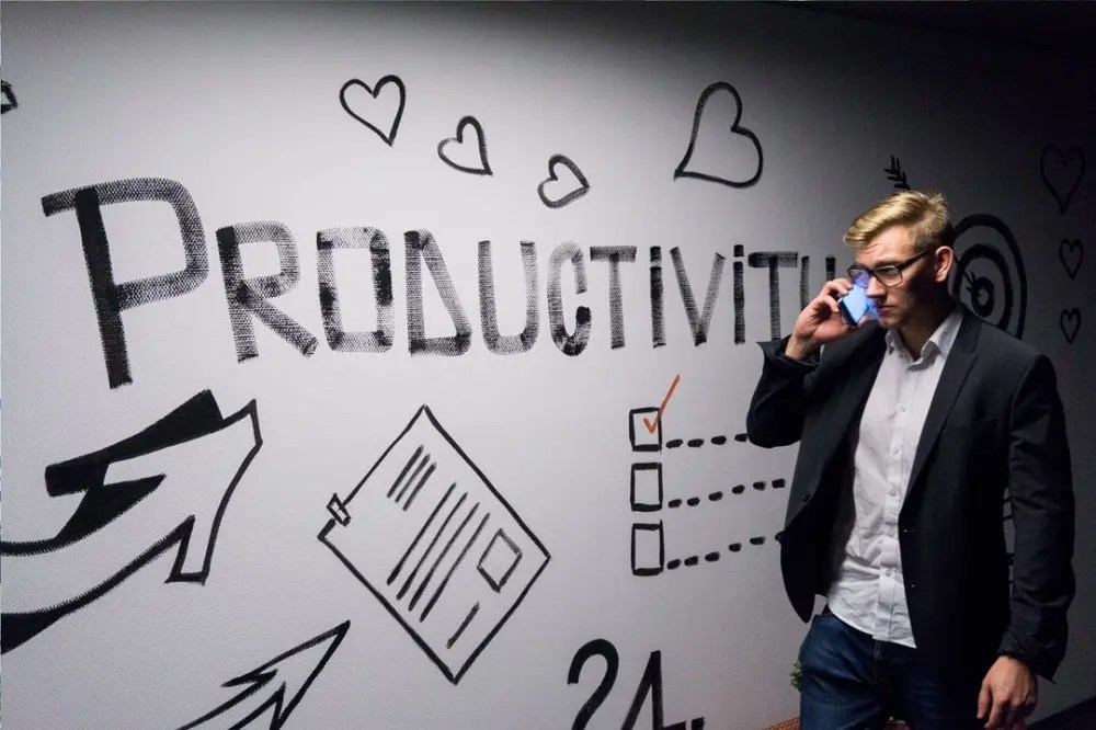 The Difference Between Productivity And Efficiency - How To Work Smart