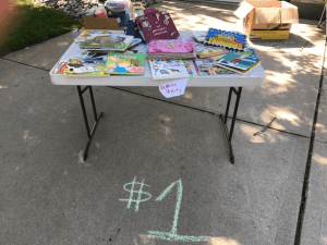 8 Super Tips to Throw a Successful Garage Sale This Summer