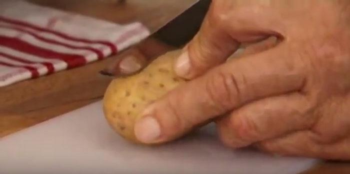 تنظيف السكاكين