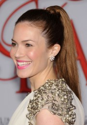 high ponytail hairstyles girls