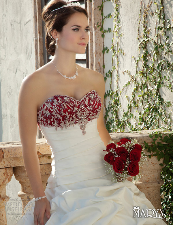 Simple Outdoor Wedding Dresses 2013 Fashion Trends