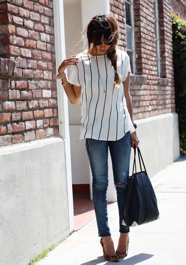 vertical line dress woman