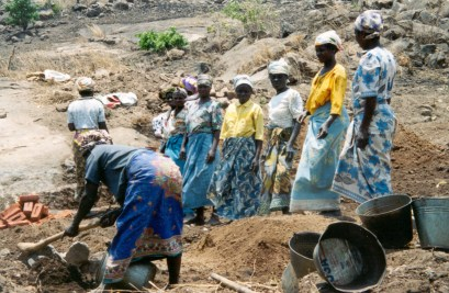2003 - Malawian women repair a road to earn a voucher for fertilizer and seed