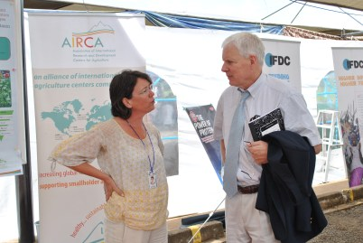 At the ICIPE Science Day, Scott Angle speaks with Marita Dieling of the Association of International Research and Development Centers for Agriculture (AIRCA), of which IFDC is a member.