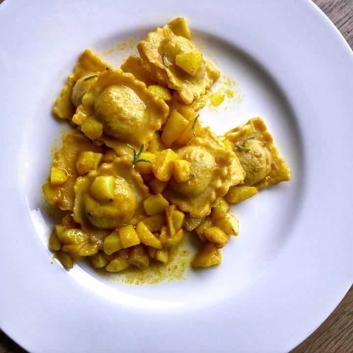 Ravioli di ceci e patate al rosmarino