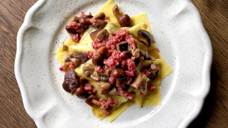 Fazzoletti di lasagne ai funghi e cotechino