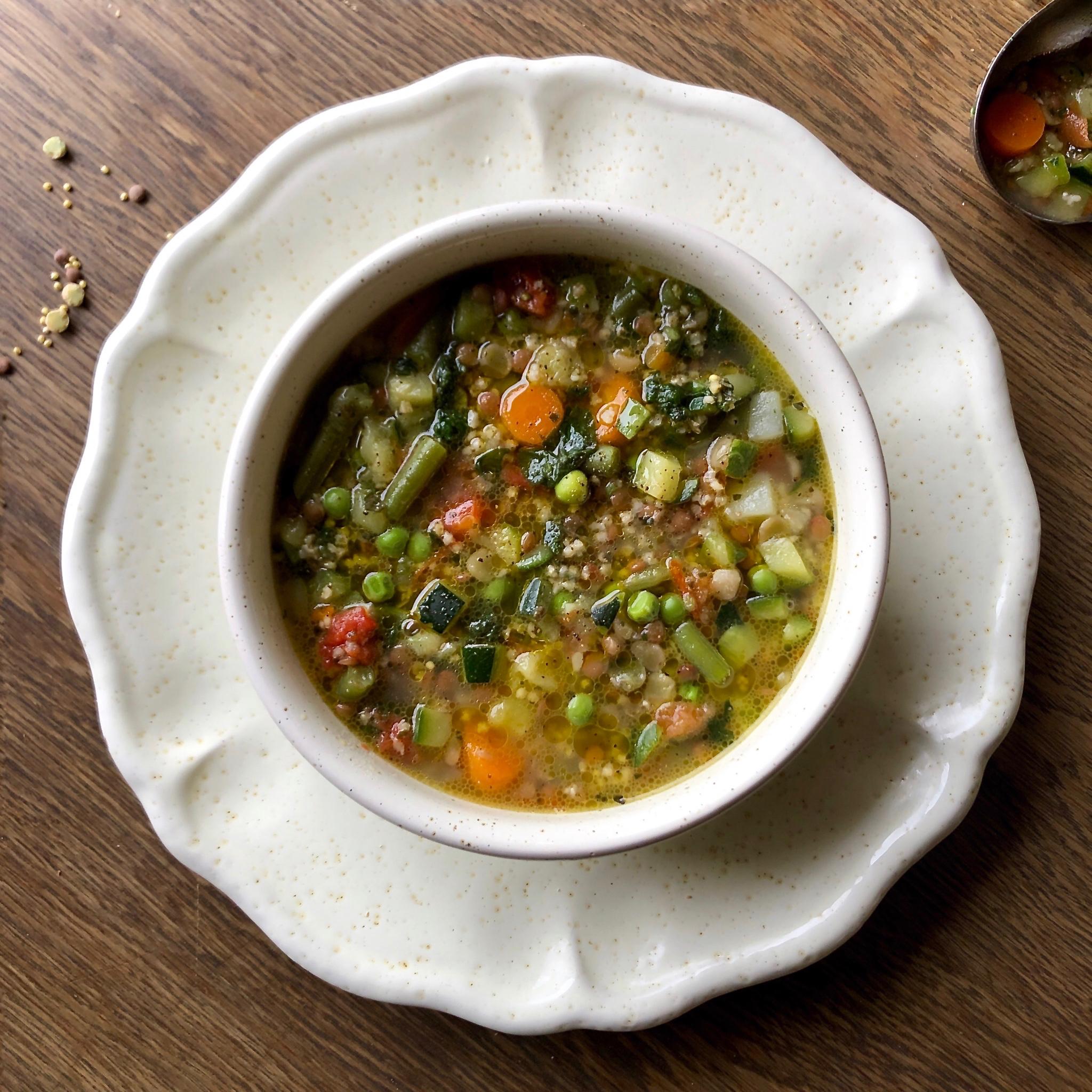 Minestrone con miglio e lenticchie