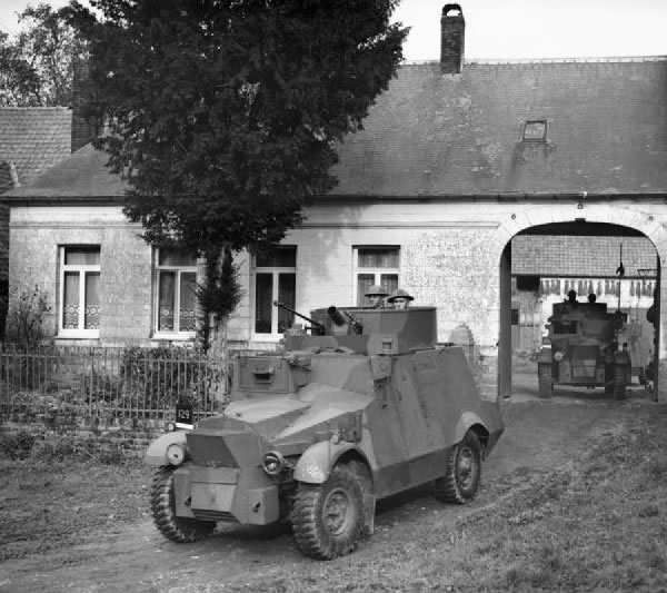 Morris CS9/Light Armoured Car