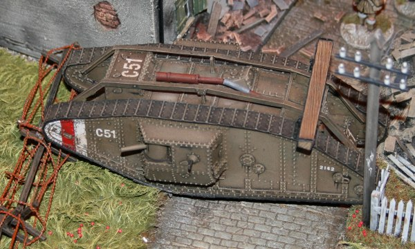 It's a well painted tank, excellent weathering.