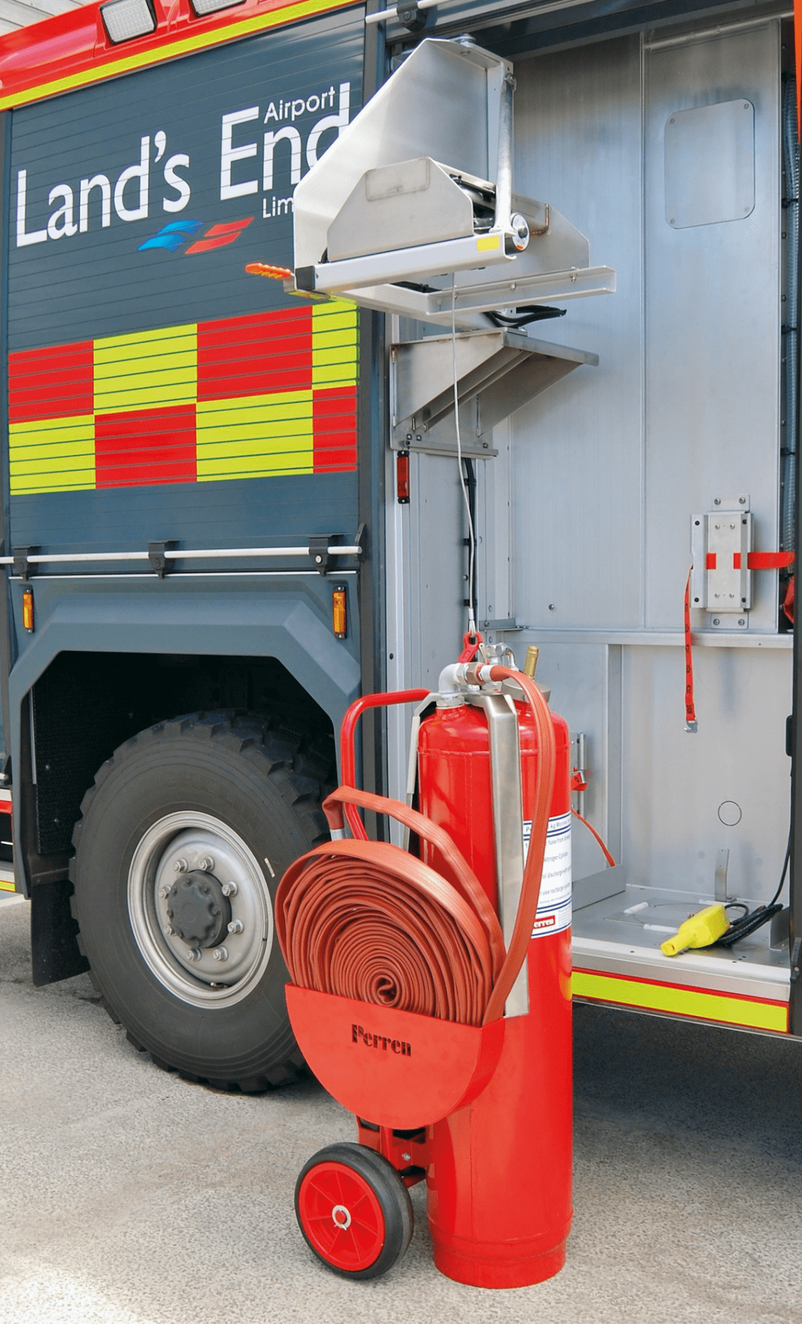 The 75kg DCP trolley lowered by an innovative compact electric winch system.