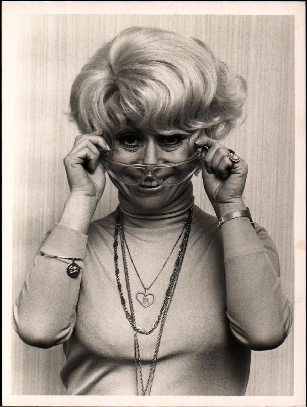Barbara Windsor supporting the eye safety campaign