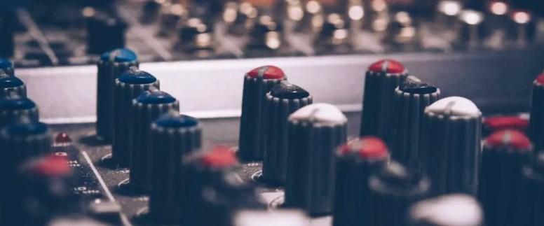 macro-shot-audio-equalizer-744318 (2) (1)