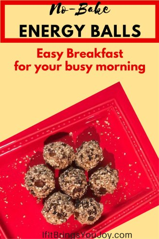 No-Bake energy cookie balls are an easy breakfast for your busy morning. Oatmeal Raisin Energy Cookie Balls are healthy & delicious for an on-the-go breakfast. #Health #Food #breakfast