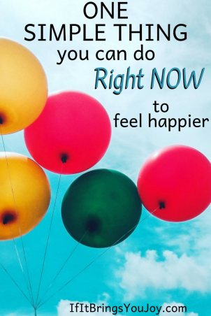 Science shows doing this one easy thing that anyone can do will improve your mood and even reduce stress. It makes a world of difference! #IfItBringsYouJoy #Smile #Happiness