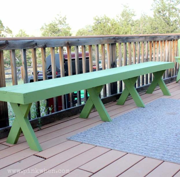 Green outdoor bench that can be made for $20.