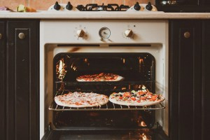 How to properly clean your oven