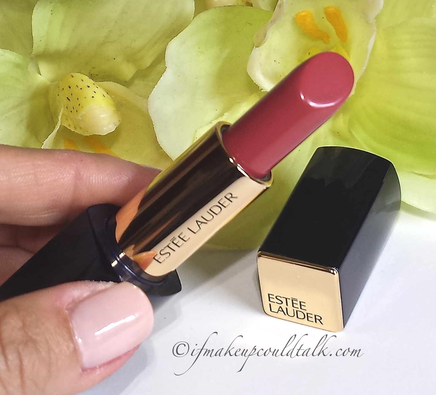 Estee Lauder Rebellious Rose 420 Pure Color Envy Lipstick review and swatches.