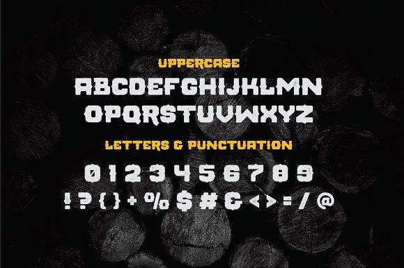 Montrena Display Font
