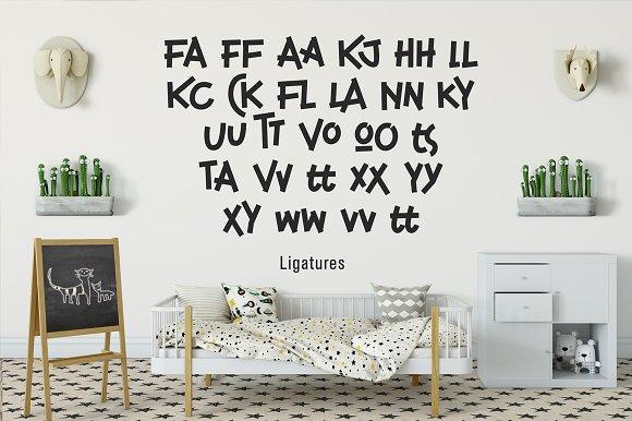 Childwood Display Font