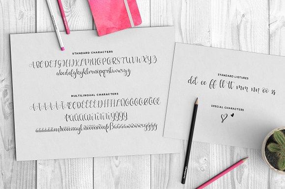 Hello Lovely Script Font