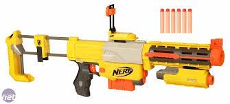 Spielzeugwaffen: Wichtig für die Akzeptanz von Kriegen und Kriegsmaterialexporten