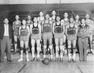 Earl Lloyd's Parker Gray basketball team. (Photo: Alexandria Black History Museum