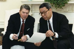 President Ronald Reagan and National Security Advisor Powell in 1988