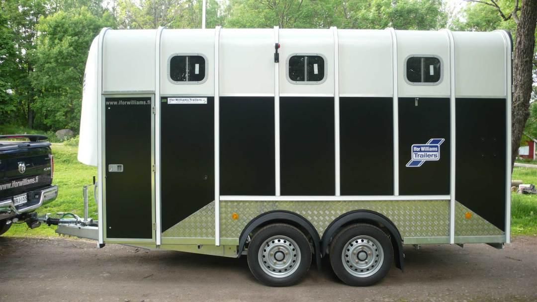 Horseboxes-5