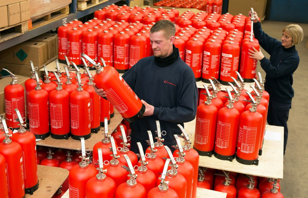 Britannia Fire has signed a five-year new export deal with New Delhi-based Aska International for its service-free recyclable P50 extinguisher as it prepares to launch its new 43kg and 2kg versions for the car and domestic market.